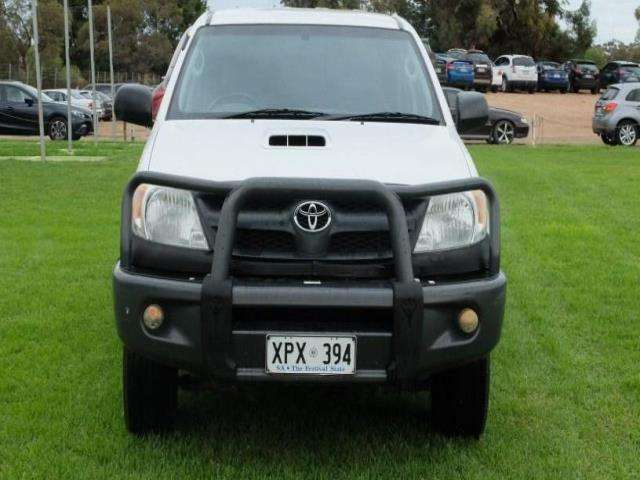 2006 toyota hilux sr manual 4x4 my05 for sale from st. Black Bedroom Furniture Sets. Home Design Ideas