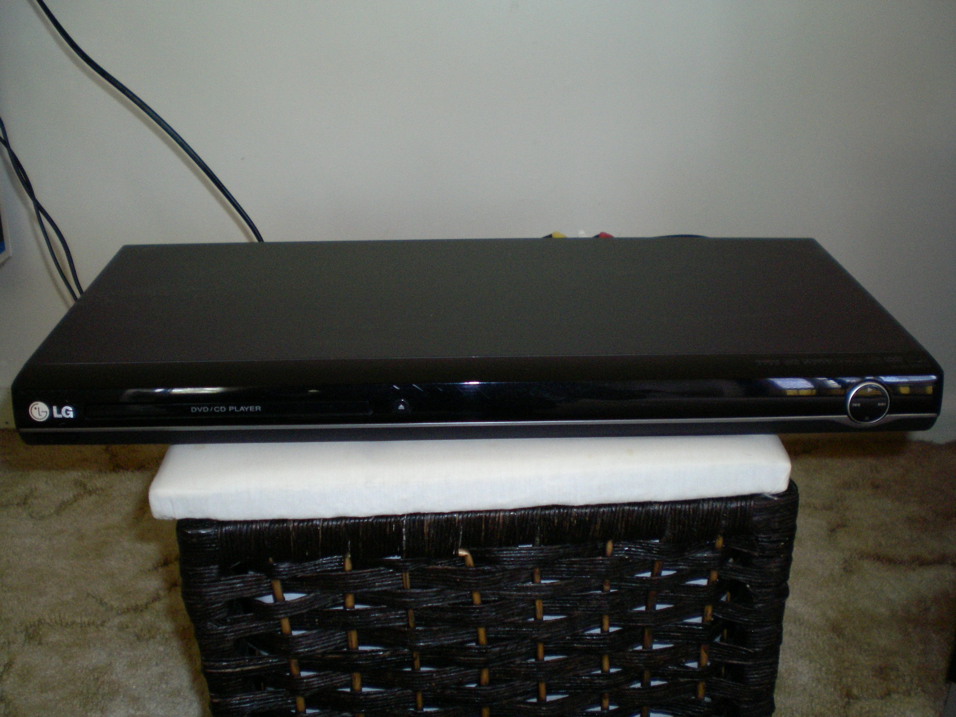 FOR SALE: LG DVD player