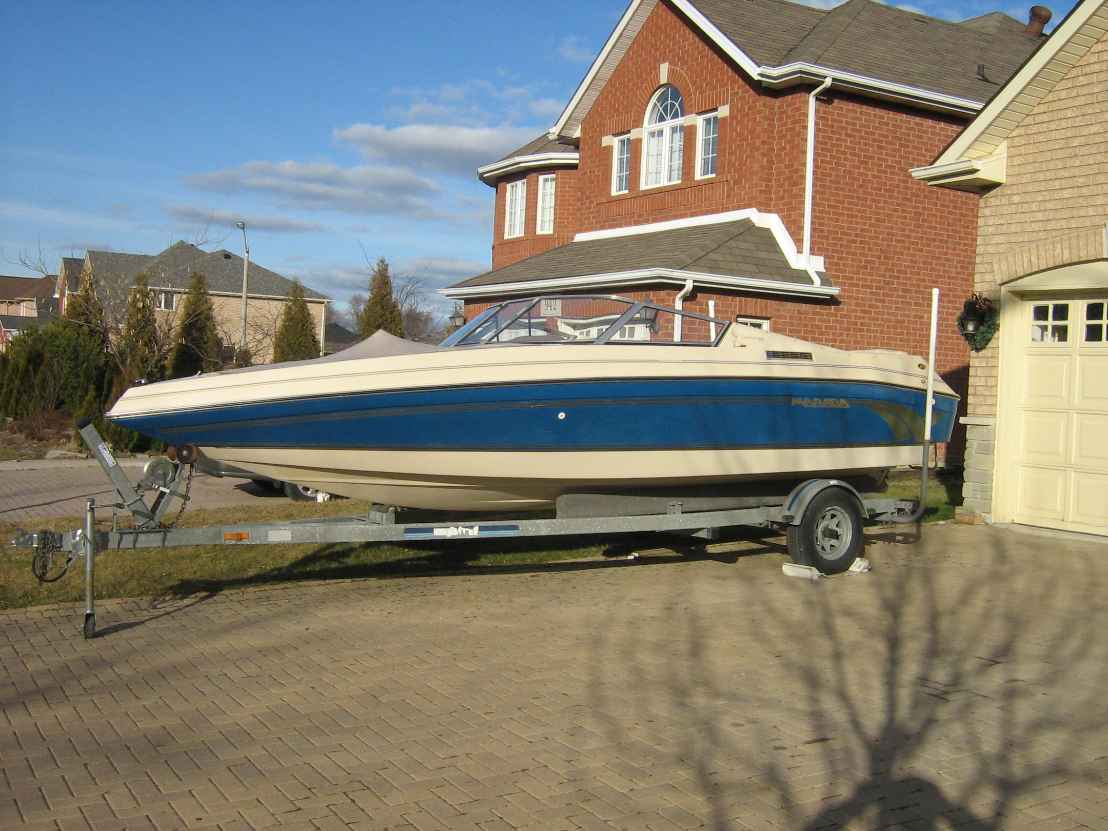 FOR SALE:  ft Bowrider