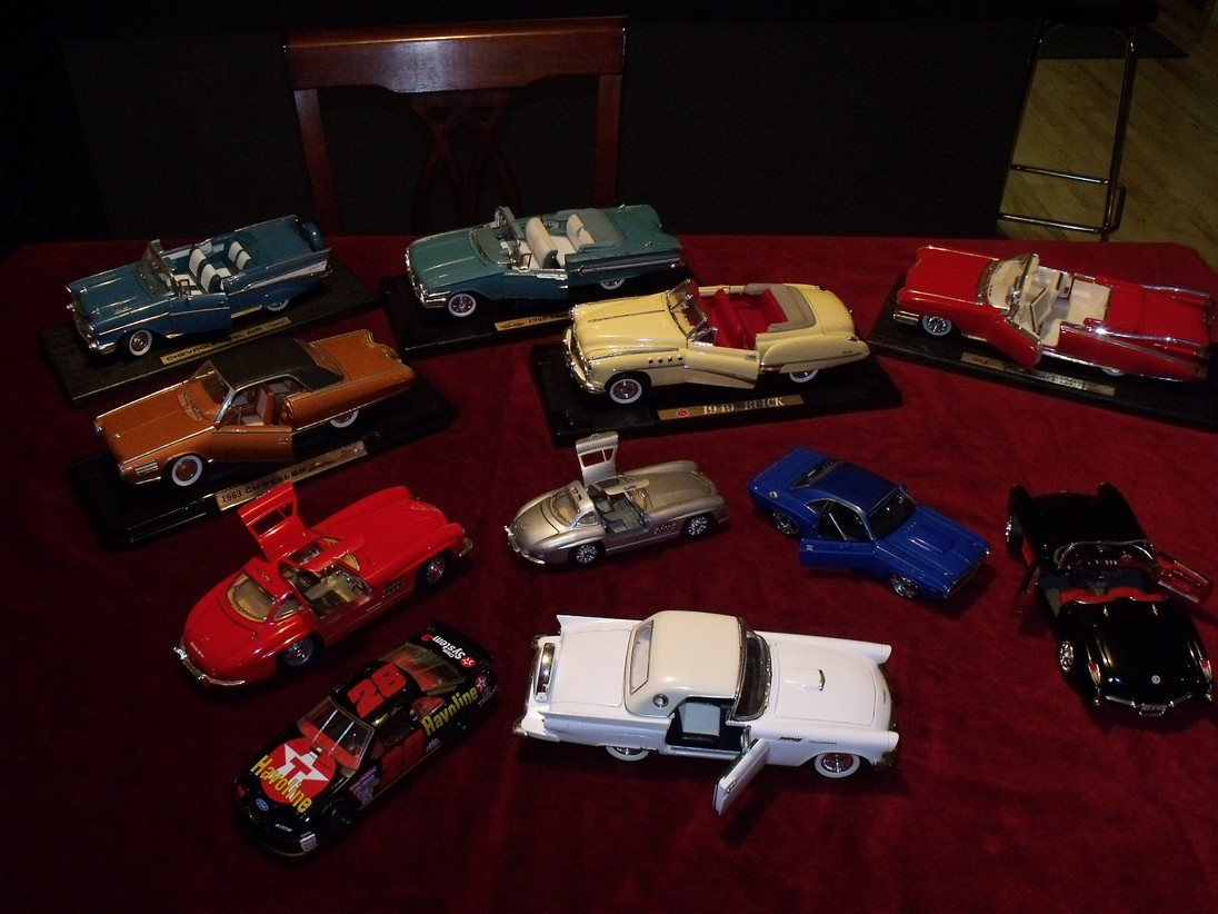 FOR SALE: diecast lot