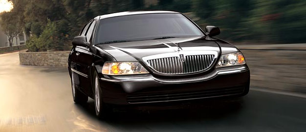 SERVICES: Toronto Airport Limo Car Rental Reservation Service