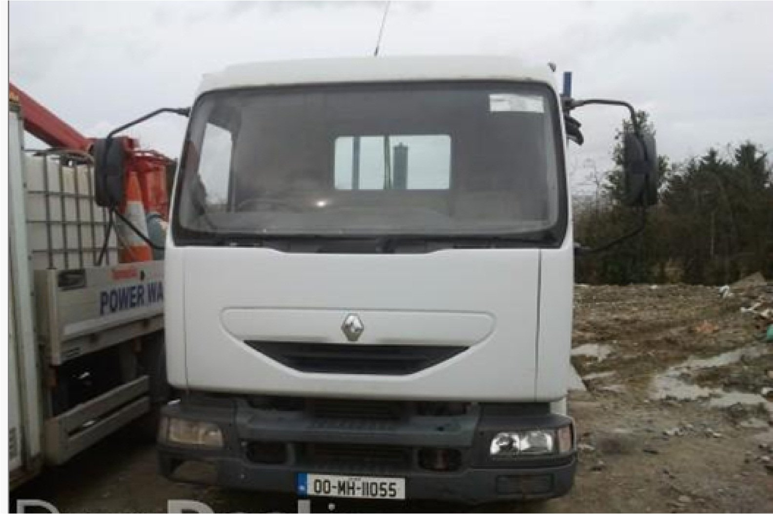 FOR SALE: 2000 Renault midlum 150 with tipper