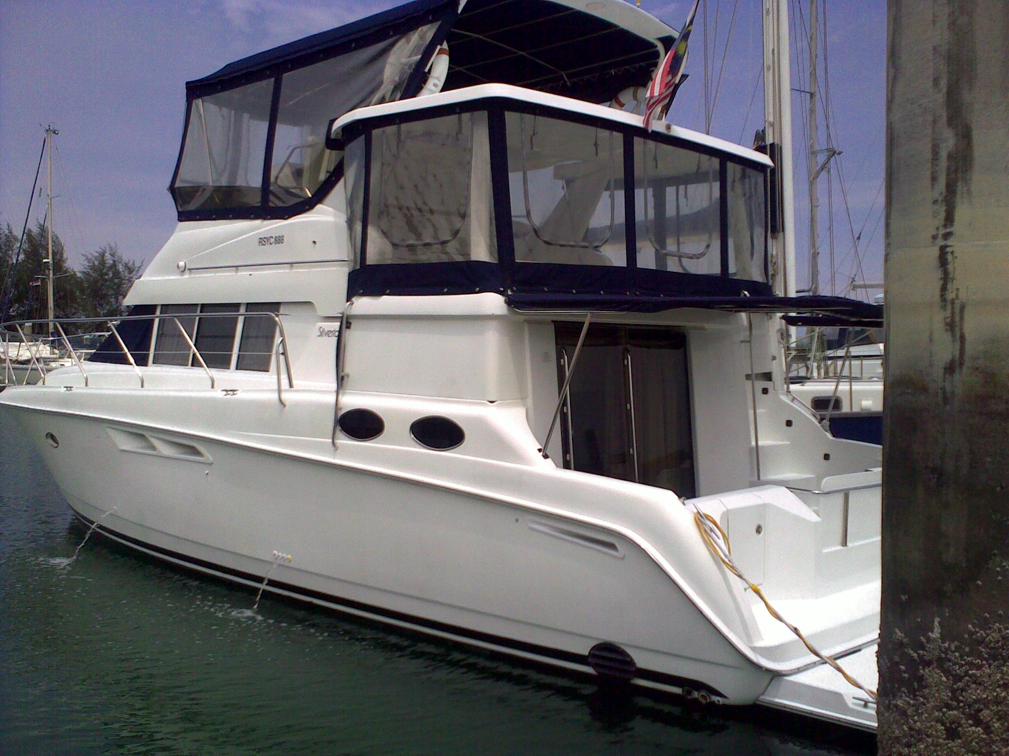 FOR SALE: Silverton 442