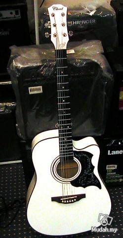 FOR SALE: Chord Acoustic Guitar