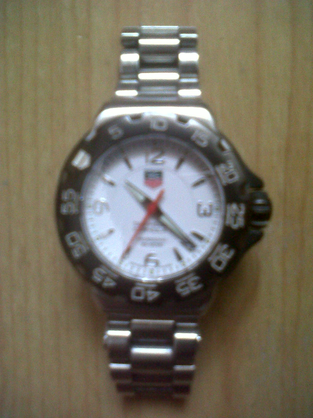 FOR SALE: Authentic Tag Heuer Formula 1 F1 Professional 200M Ladies Watch