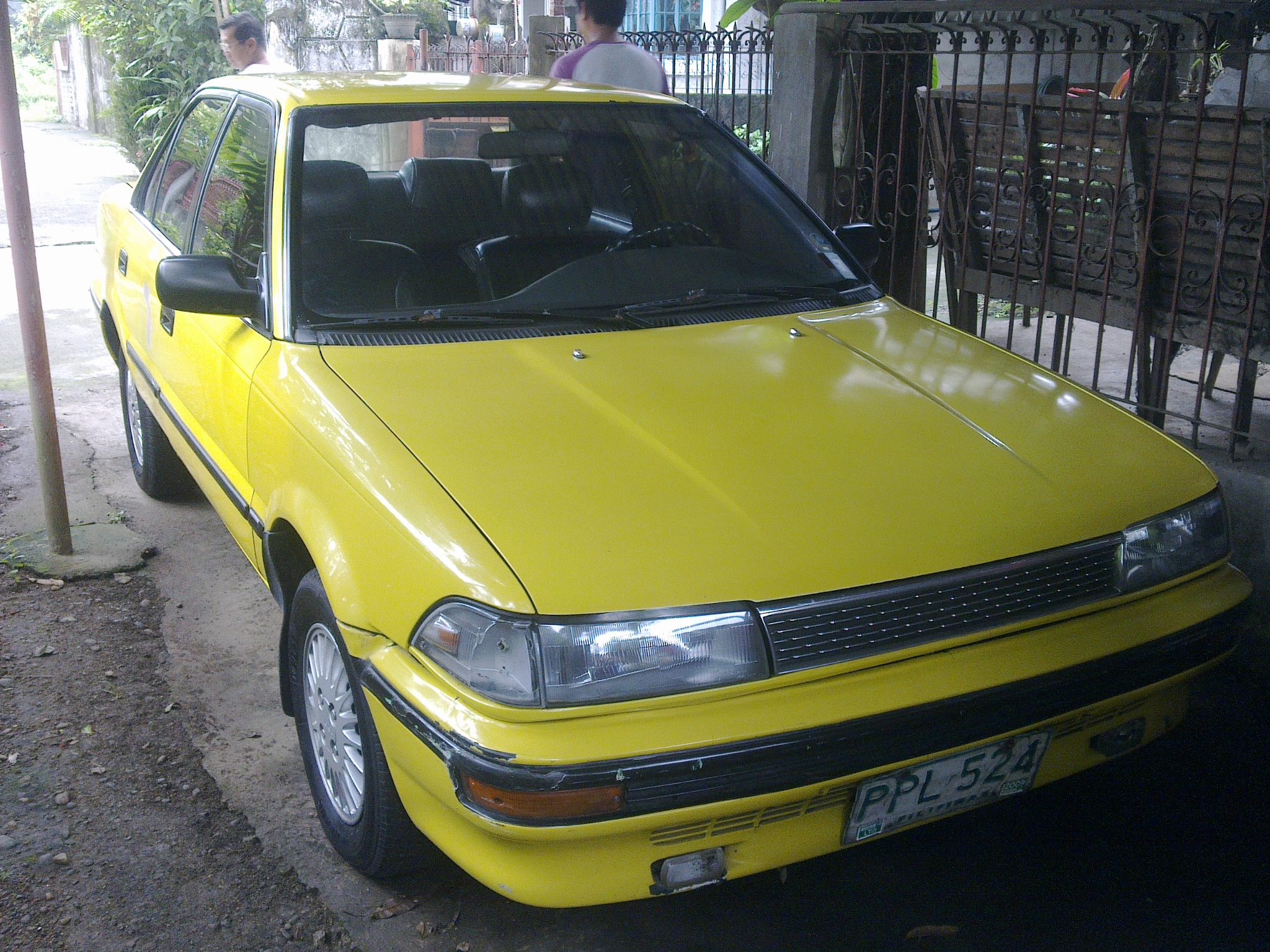 FOR SALE: TOYOTA COROLLA GL 1990