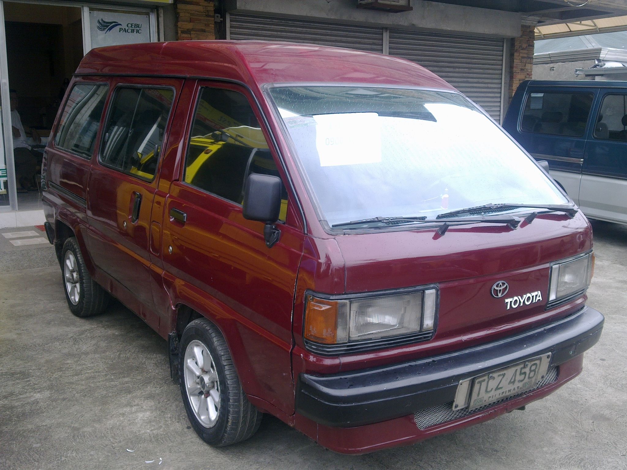 FOR SALE: TOYOTA LITEACE 1992