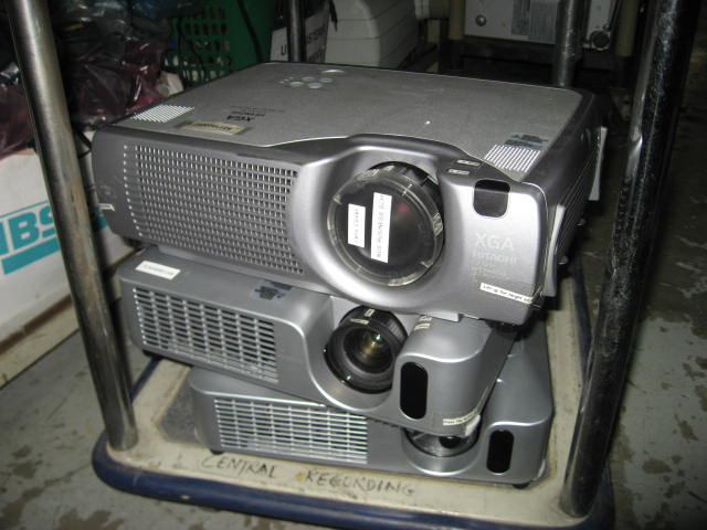 FOR SALE: Video Projector: EPSON EMP 82 / 830