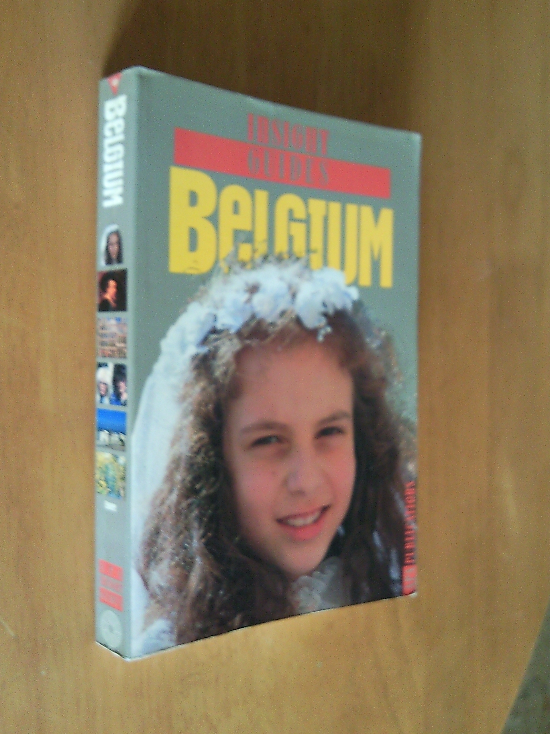 FOR SALE: Insight Guides Belgium
