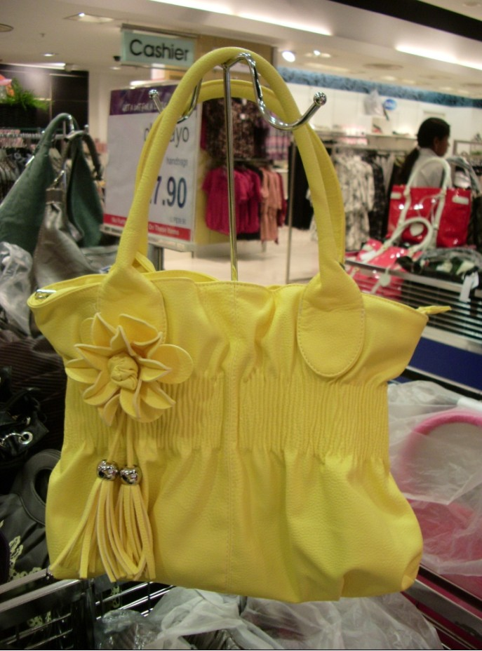 FOR SALE: Lady bag wholesale and retail