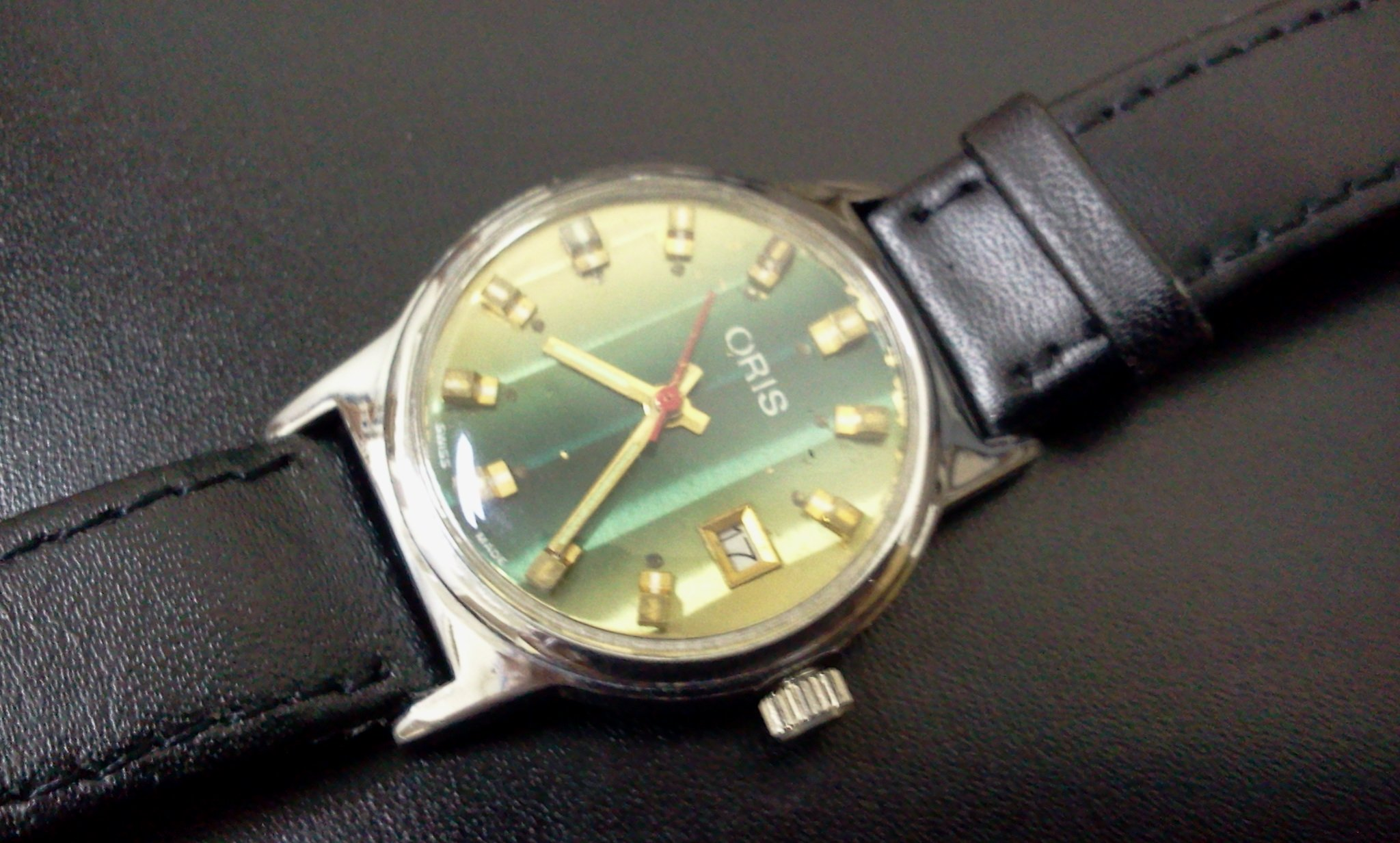 FOR SALE: ORIS VINTAGE WRIST WATCH WITH CALENDER DATE