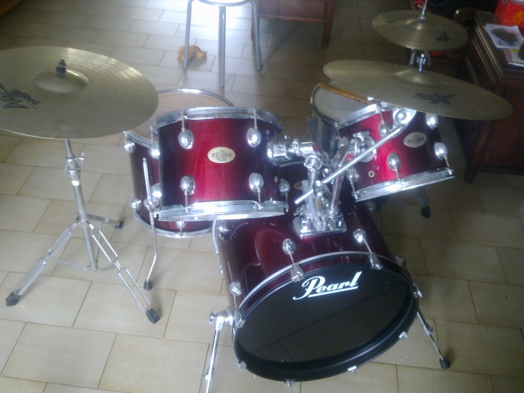 FOR SALE: Pearl Target Drum Set w Xs20 Hihat Crash and 402 Ride