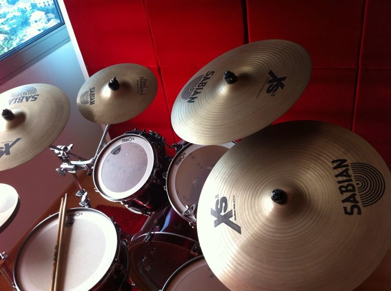 FOR SALE: TAMA SUPERSTAR Drum Set w Sabian Xs20 Cymbals Set & Throne - 9/10