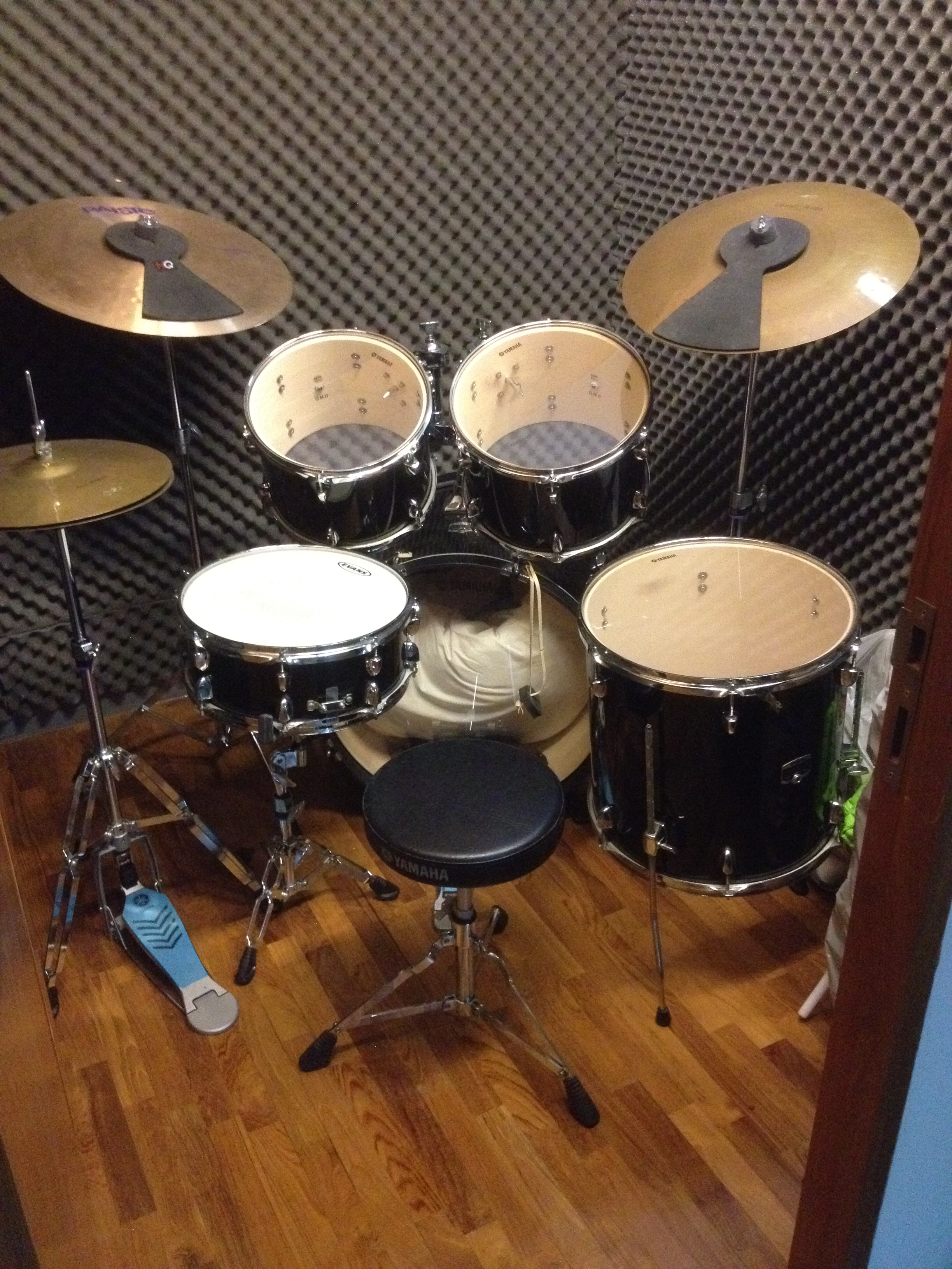 FOR SALE: YAMAHA GIGMAKER Drum Set w Paiste & Planet Z Cymbals & Throne - 9/10