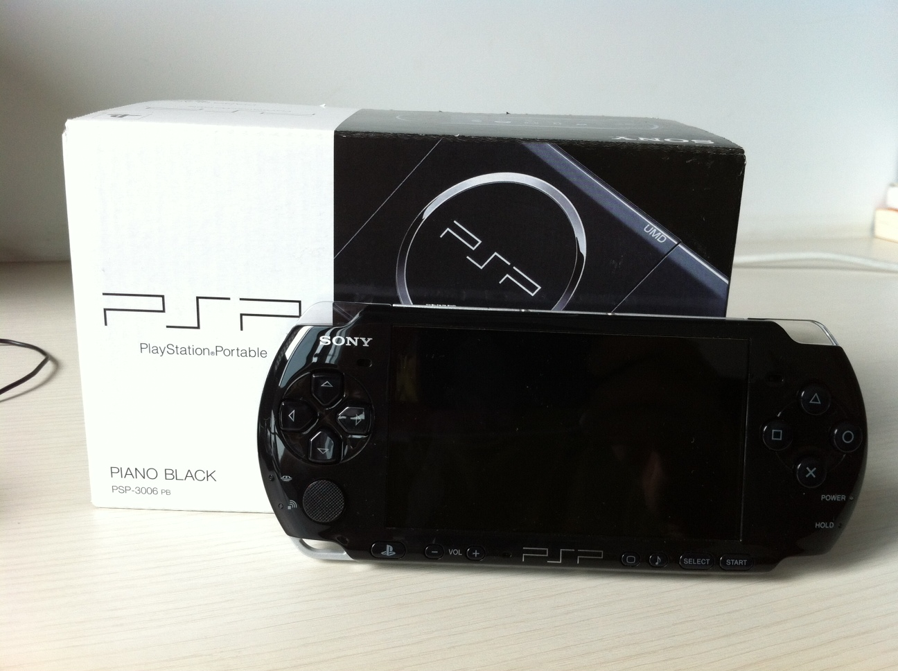 FOR SALE: Sony PSP Value Pack 3006 - Piano Black