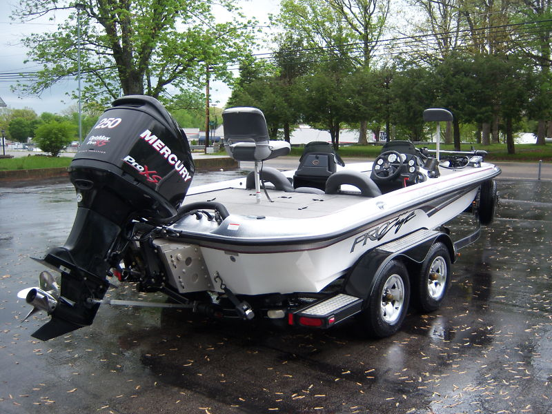 FOR SALE: 2006 Pro Craft 210 Super Pro Bass Boat 250 Optimax