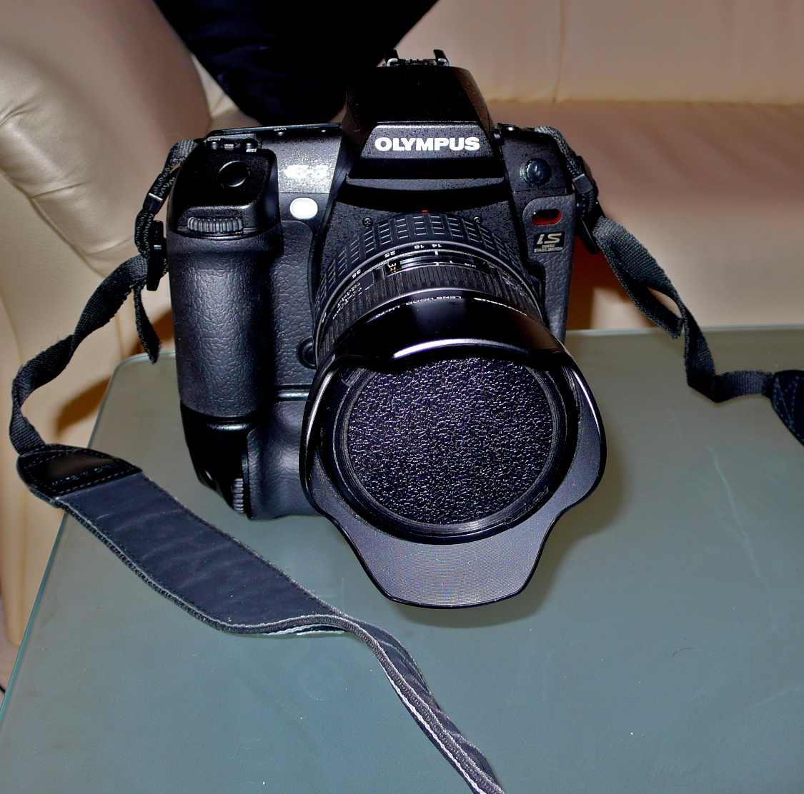 FOR SALE: OLYMPUS E3  PROFESSIONAL DSLR WITH ZUIKO 14-54MM 2.8-4 LENS+ BATTERY GRIP